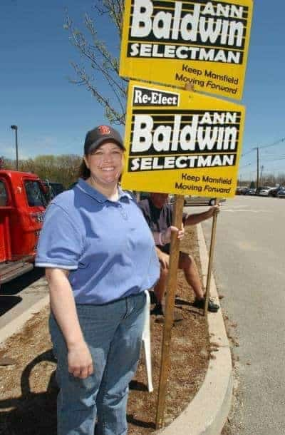 Ann Baldwin campaigns in the Mansfield High School parking lot in 2007. (Staff file photo by Tom Maguire)